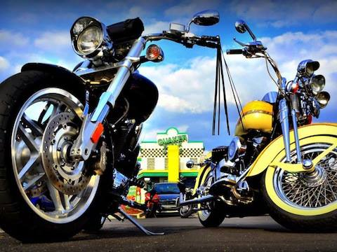 Quaker Steak and Lube bike night starts in 16 days! Comment a photo or memory fr…
